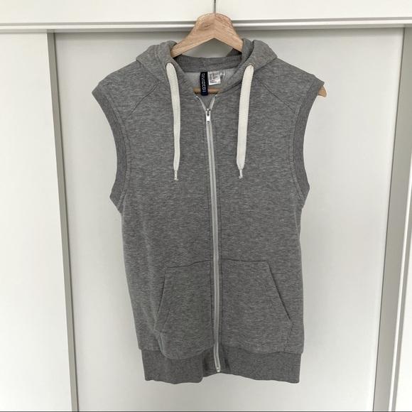 H&M Sleeveless Zip Up Sweater